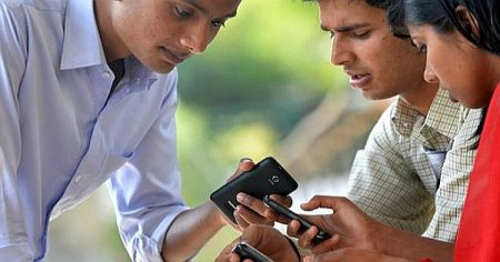 India's Phone Production Hits the 100 Million Mark in 2015
